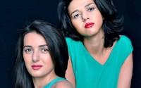 Les sœurs Khatia et Gvàntsa Buniatishvili donnent un « concert sur l'eau » aux Nuits du Château de La Moutte. DR
