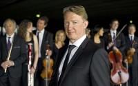 Le chef d'orchestre Douglas Boyd, de Garsington à l'Avenue Montaigne. © JB. Millot