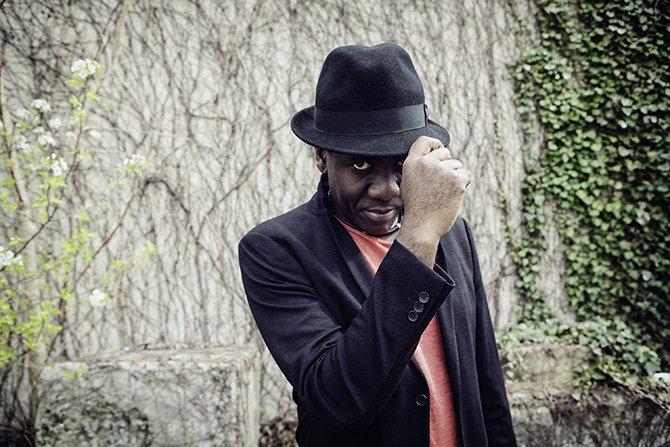 Richard Bona ouvre Jazz à Vienne - Critique sortie Jazz / Musiques Vienne Vienne