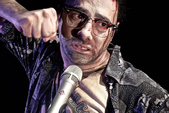 Xavier Gallais dans Des hommes en devenir. Crédit photo: Emmanuel Meirieu