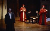 Légende photo : La Vie de Galilée, dans la mise en scène d'Antoine Vitez. Crédit photo : Nicole Bouron-Flacinet © Ina 1991