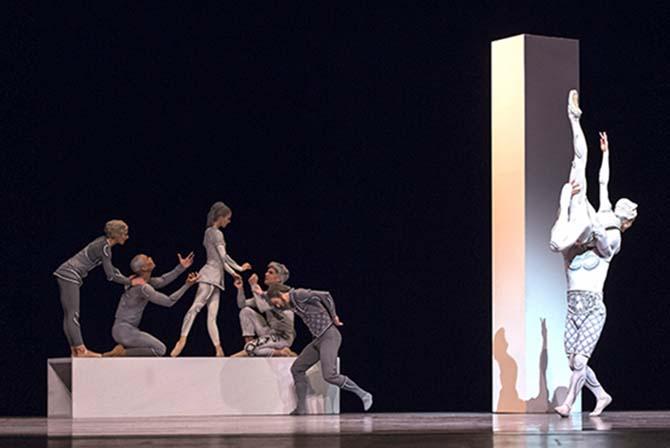 Grands plateaux en grandes formes - Critique sortie Danse Paris Chaillot - Théâtre national de la danse
