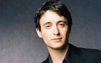 Le pianiste Jean-Frédéric Neuburger ouvre la 18e édition des Solistes à Bagatelle. © Carole Bellaiche