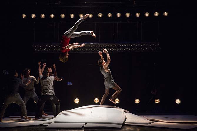 Une cascade de cirque à Alba-la-Romaine - Critique sortie Théâtre Alba-la-Romaine Bourg-Saint Andéol