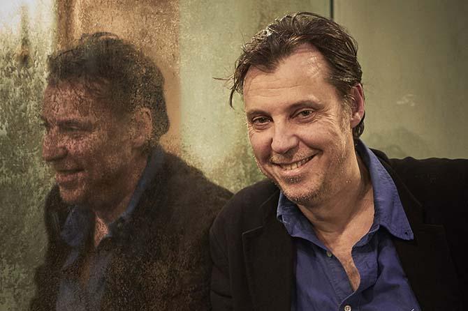 Crédit : RdL Légende : Le metteur en scène Yann-Joël Collin.