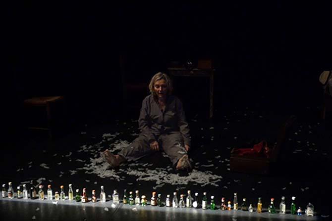 A 90 degrés - Critique sortie Avignon / 2017 Avignon Avignon Off. Théâtre des Halles