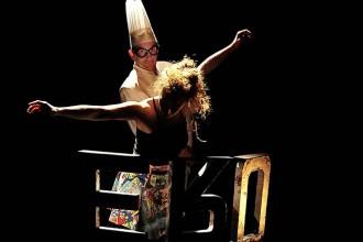 Esperluette Danse avec la peau des mots - Critique sortie Avignon / 2017 Avignon Avignon Off. L'Ecole du Spectateur