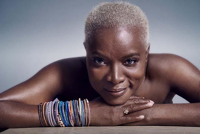 Femme noire - Critique sortie Avignon / 2017 Avignon COUR D'HONNEUR DU PALAIS DES PAPES