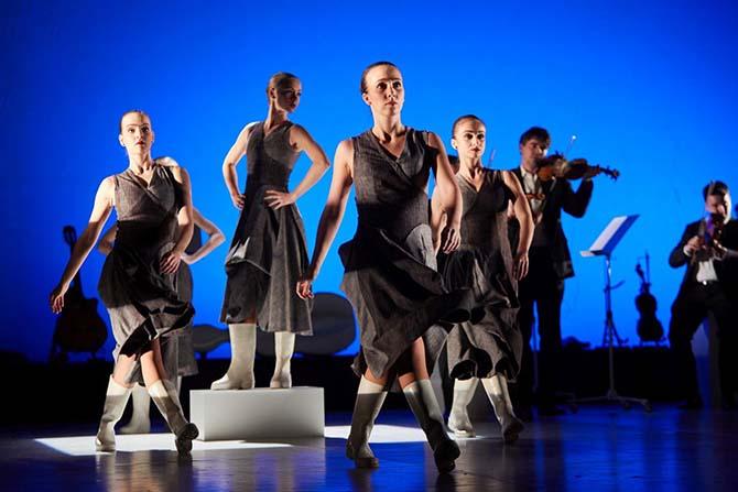 FineTuning - Critique sortie Avignon / 2017 Avignon Avignon Off. Espace Alya Theatre