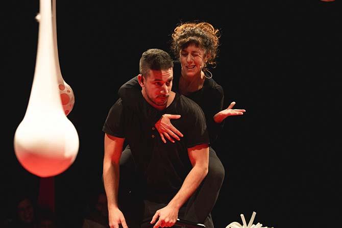 Petits ragots de mauvais genre - Critique sortie Avignon / 2017 Villeneuve-lès-Avignon Avignon Off. Festival Villeneuve en Scène. Chapiteau Pinède