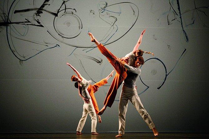 Trisha Brown Dance Company - Critique sortie Danse Nîmes Théâtre de Nîmes. Théâtre Bernadette Lafont