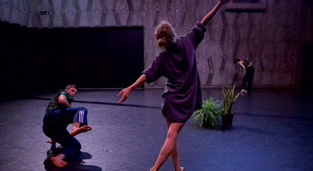 Evol - Critique sortie Danse Paris Théâtre de la Bastille