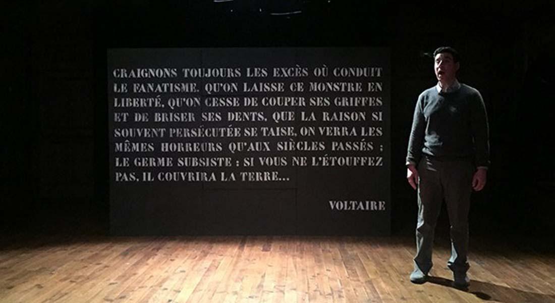 Je suis Voltaire - Critique sortie Théâtre Paris Lavoir Moderne Parisien
