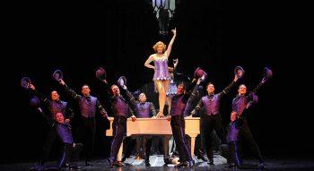 Comédies musicales. Les costumes font leur show ! - Critique sortie Théâtre Moulins Centre National du Costume de Scène et de la scénographie