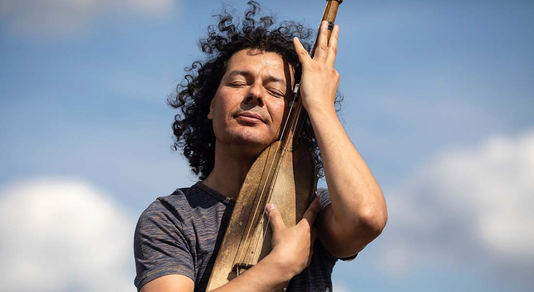« Poetic Trance », nouvel album d'Aziz Sahmaoui - Critique sortie Jazz / Musiques Paris new morning