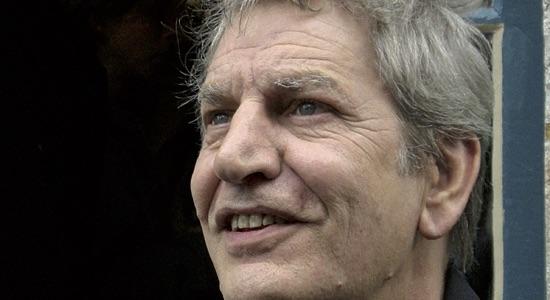 Antigone 82, Jean-Paul Wenzel a adapté avec Arlette Namiand Le Quatrième Mur de Sorj Chalandon - Critique sortie Théâtre Paris Théâtre de l'Epée de bois