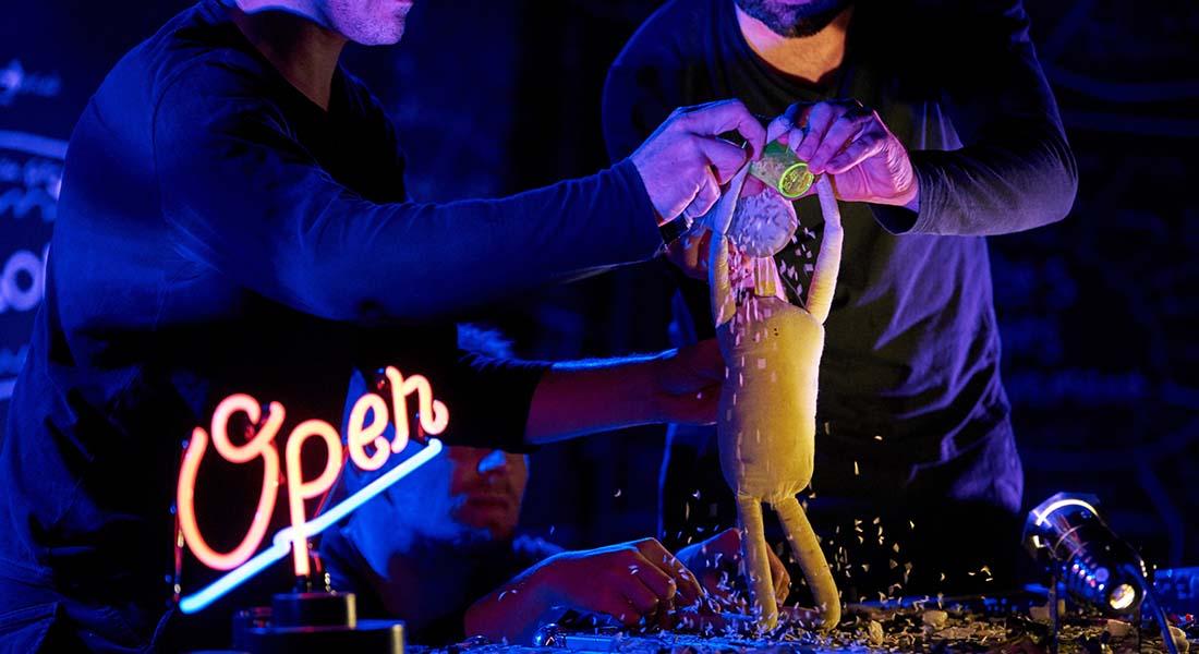 La marionnette devant le monde avec Simon Delattre, la compagnie Les Maladroits, les compagnies Hijinx et Blind Summit - Critique sortie Théâtre Cherbourg-en-Cotentin Le Trident - Scène nationale de Cherbourg-en-Cotentin