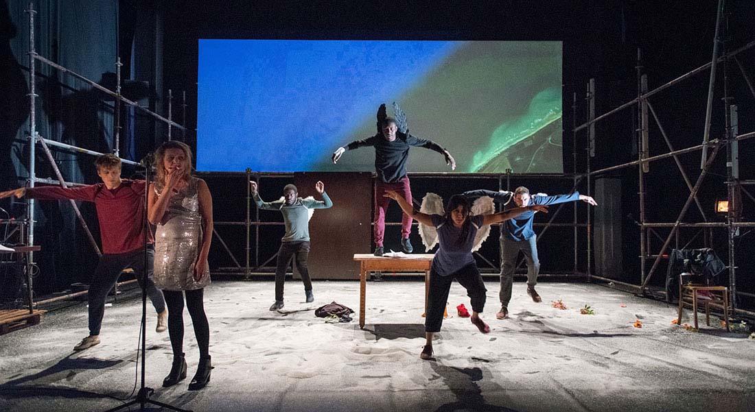 No Border mis en scène par Guy Alloucherie - Critique sortie Théâtre Evry Théâtre de l'Agora