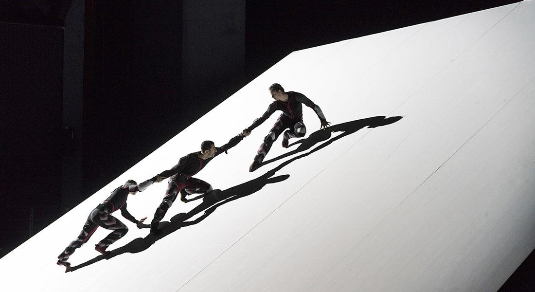 Skid de Damien Jalet et le GöteborgsOperans Danskompani - Critique sortie Danse Paris Chaillot - Théâtre national de la danse