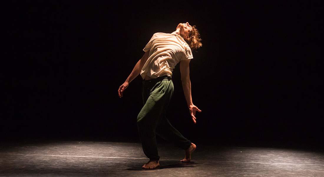 Today – FORWARD, soirée soli avec les chorégraphes Laurence Yadi et Edouard Hue - Critique sortie Danse Paris Centre culturel suisse