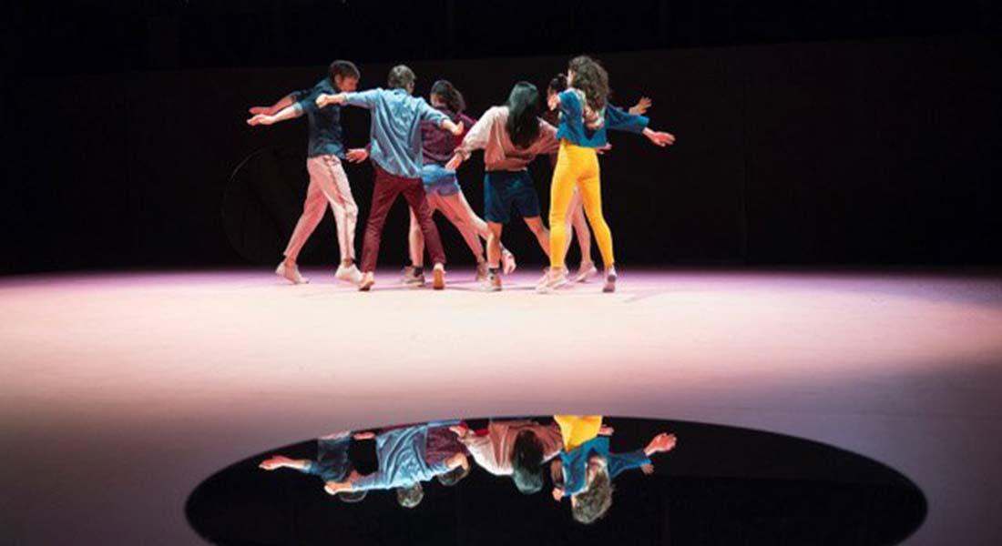 Songlines de Joanne Leighton - Critique sortie Danse Paris Le Carreau du Temple