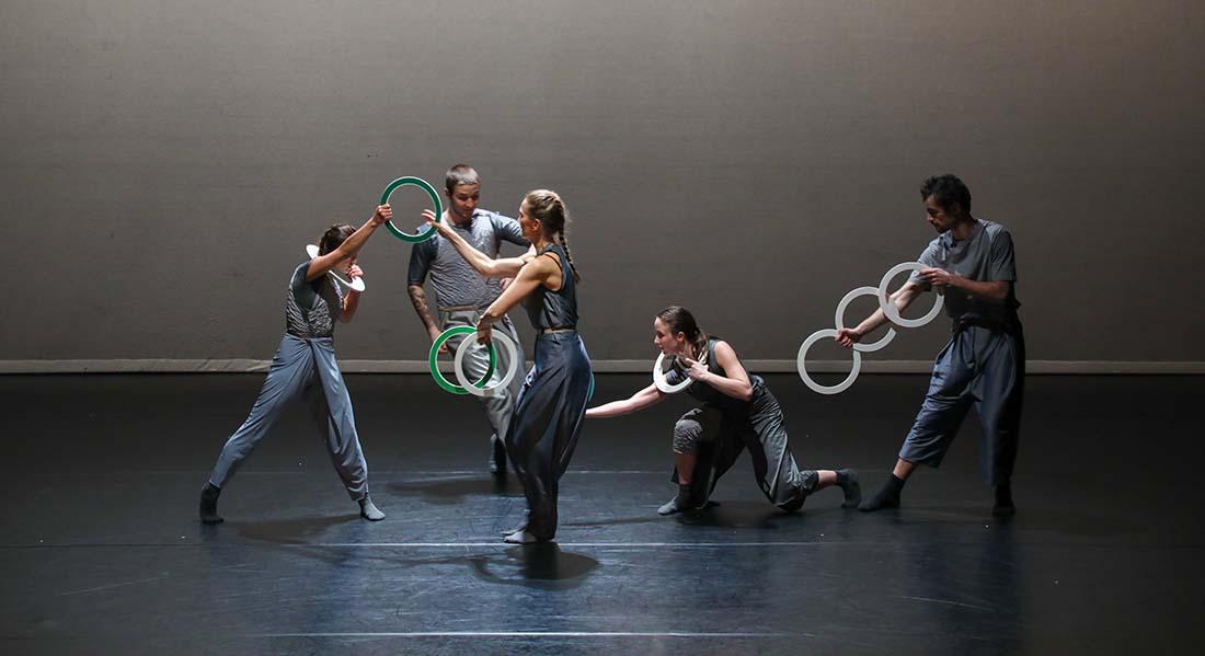 Spring, les « rois du jonglage » ou « Gandini » sont de retour - Critique sortie Cirque Créteil Maison des Arts de Créteil