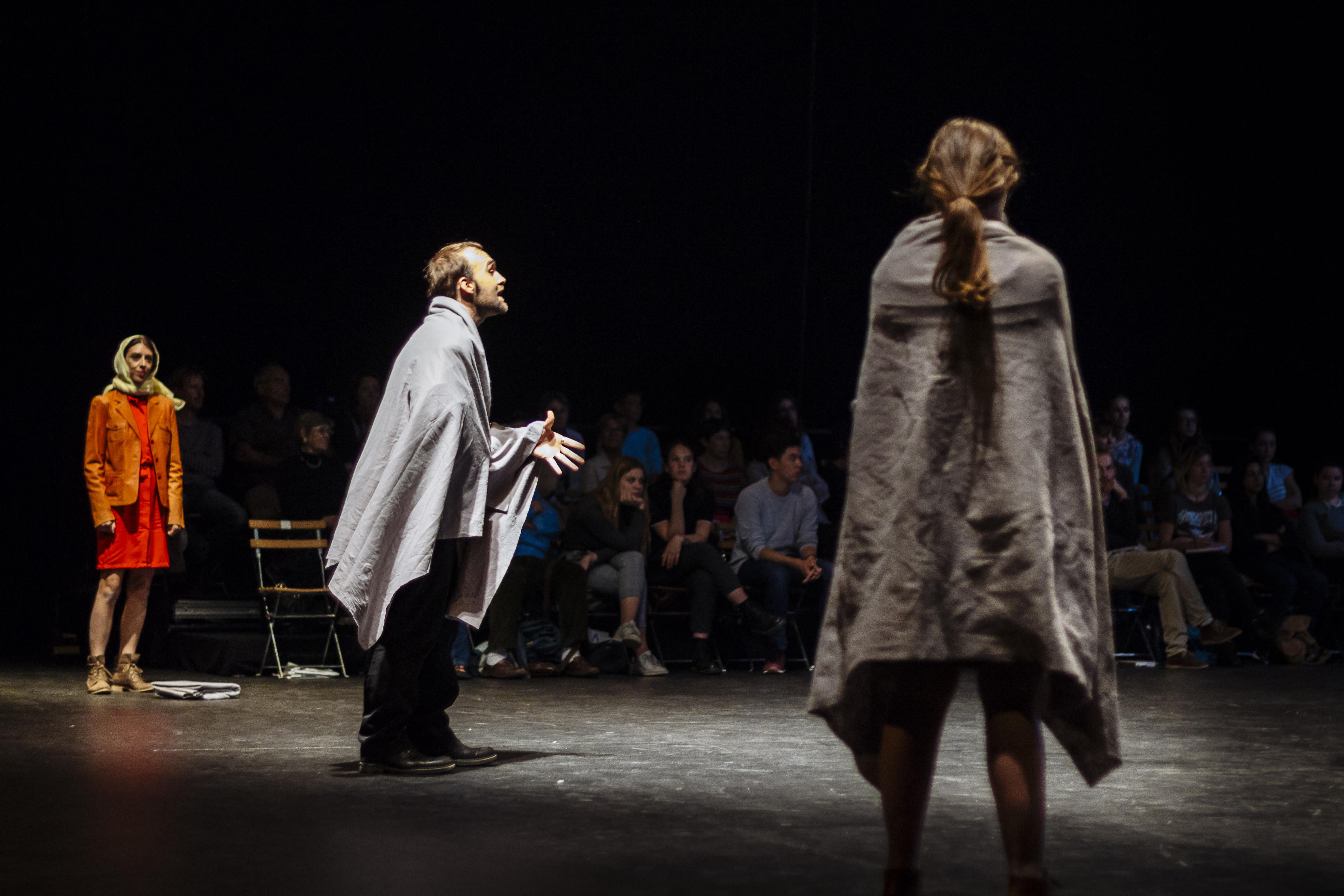 Antigone 82, Jean-Paul Wenzel met en scène Le Quatrième Mur de Sorj Chalandon - Critique sortie Théâtre Paris Théâtre de l'Epée de bois
