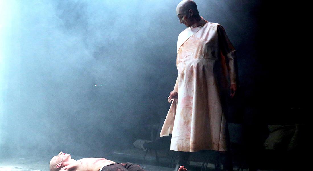 Le Chien, la nuit et le couteau de Marius von Mayenburg par le Munstrum Théâtre - Critique sortie Théâtre Paris Le Monfort