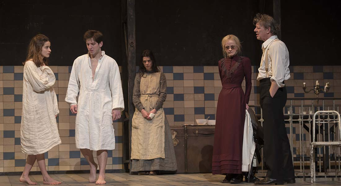 Fanny et Alexandre d'après Ingmar Bergman, mis en scène de Julie Deliquet - Critique sortie Théâtre Paris Comédie-Française Salle Richelieu