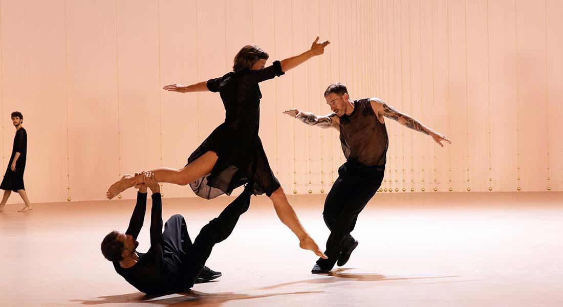 L'Opéra de Paris invite Rosas de la chorégraphe Anne Teresa De Keersmaeker - Critique sortie Danse Paris Palais Garnier