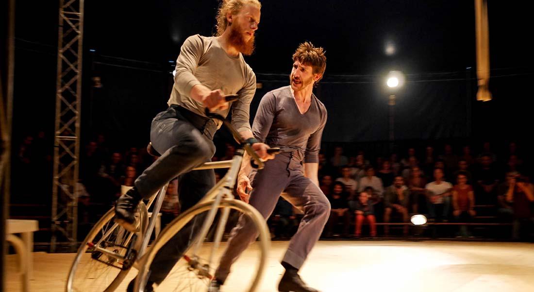 Vol d'usage de et avec Jean Charmillot et Jérôme Galan - Critique sortie Théâtre Antony Théâtre Firmin Gémier - La Piscine - Espace Cirque d'Antony