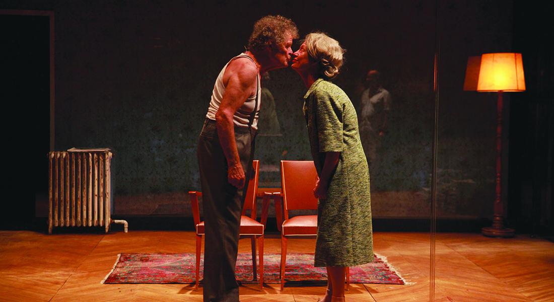 Les Chaises d'Eugène Ionesco, mis en scène par Bernard Levy - Critique sortie Théâtre Paris Théâtre de l'Aquarium