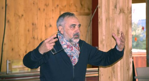 Jean Varela , un foisonnement créatif et rituel festif - Critique sortie Théâtre Montpellier Domaine d'O