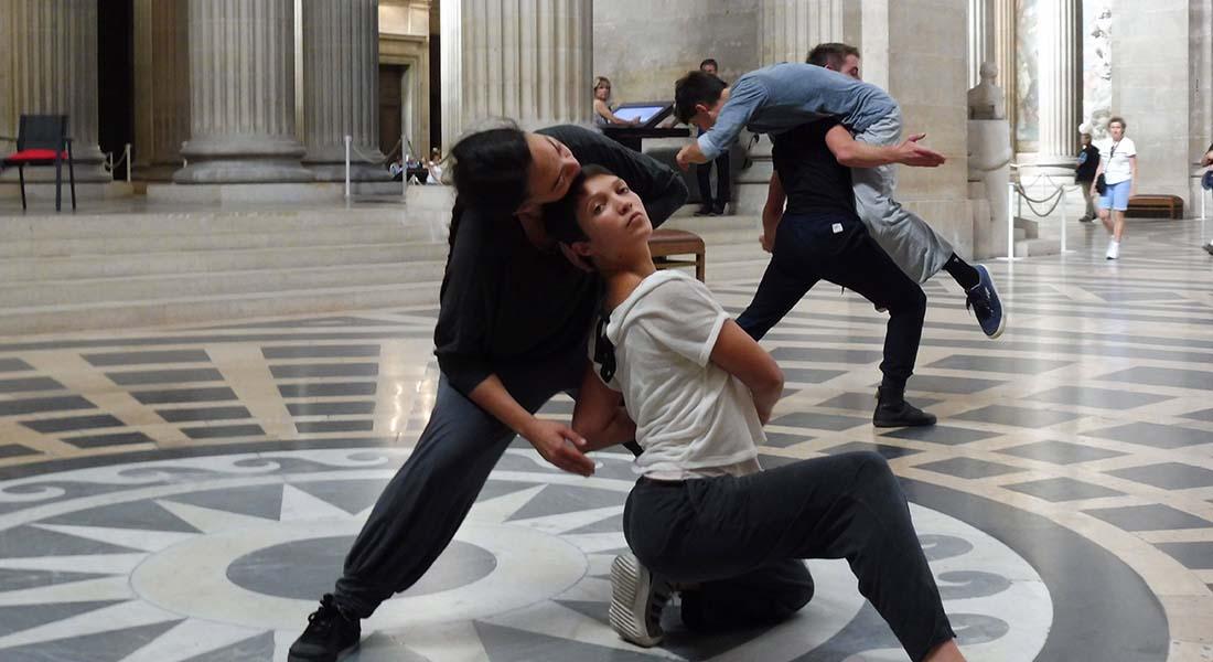 La Figure de l'érosion de Nathalie Pernette - Critique sortie Danse Paris Le Panthéon
