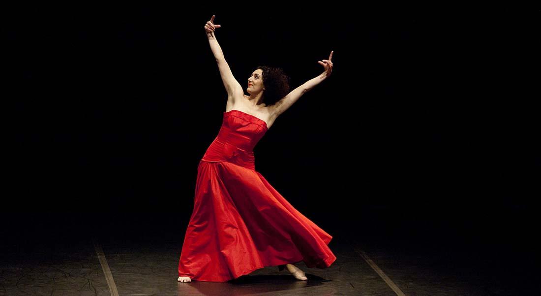 Moving with Pina avec la chorégraphe Cristiana Morganti - Critique sortie Danse Paris Théâtre de la Ville Les Abbesses
