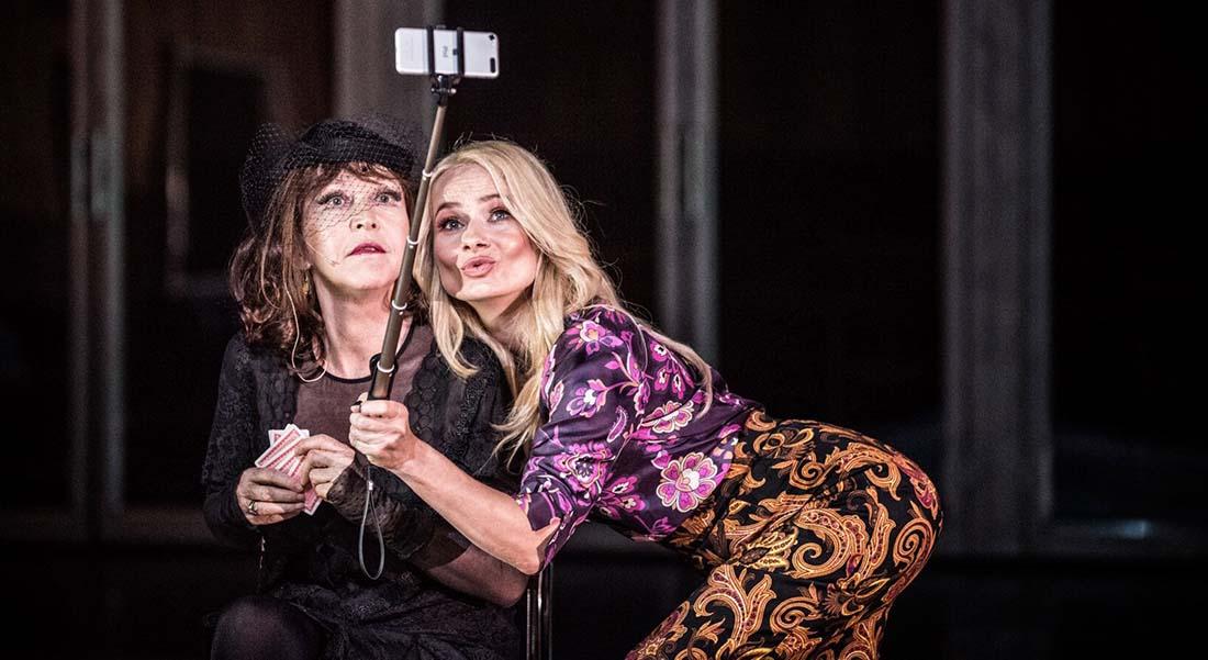 On s'en va d'après Hanoch Levin, mis en scène par Krysztof Warlikowski - Critique sortie Théâtre Paris Chaillot - Théâtre national de la danse