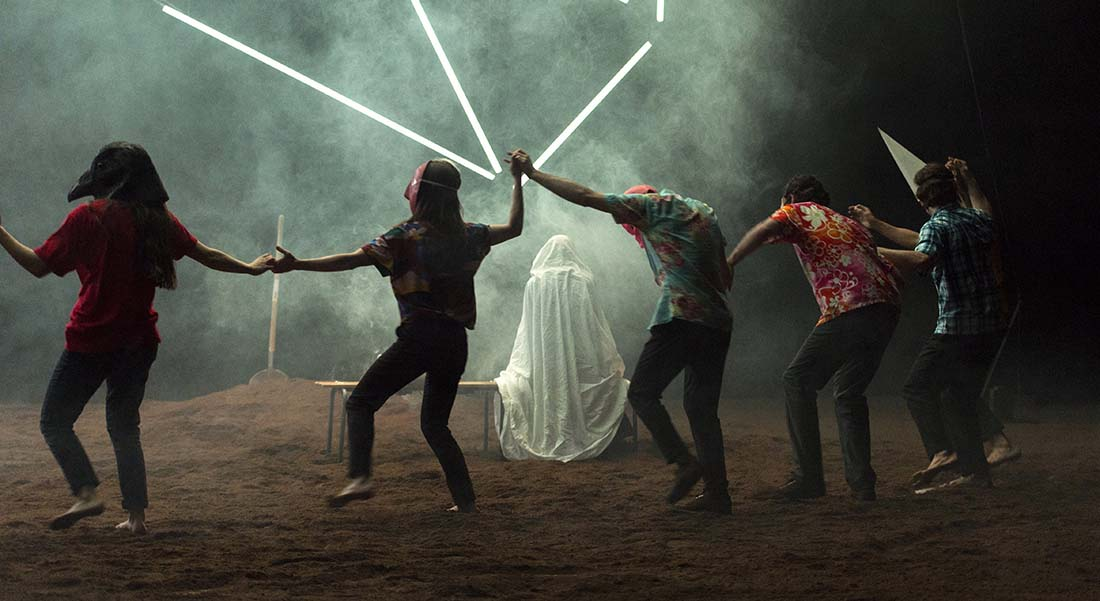 Christian Rizzo crée  Une maison avec quatorze danseurs - Critique sortie Théâtre Paris Chaillot - Théâtre national de la danse