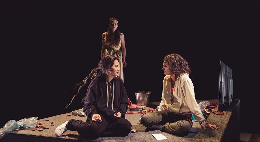 Antioche de Sarah Berthiaume, mis en scène par Martin Faucher - Critique sortie Avignon / 2019 Avignon Avignon Off. Le 11 - Gilgamesh Belleville