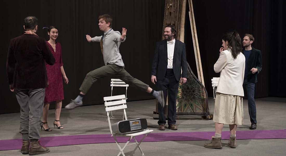 Des Caravelles & des Batailles d' Eléna Doratiotto et Benoît Piret - Critique sortie Avignon / 2019 Avignon Avignon Off. Théâtre des Doms