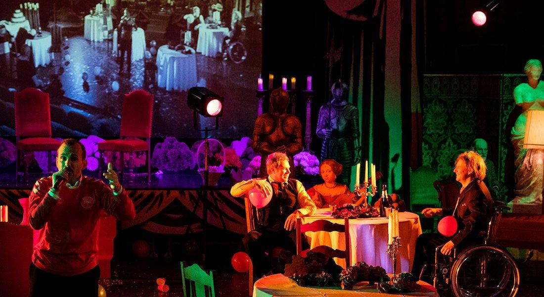 Hamlet d'après Shakespeare, adaptation et mise en scène par Jérémie Le Louët - Critique sortie Avignon / 2019 Avignon Avignon Off. 11 Gilgamesh Belleville