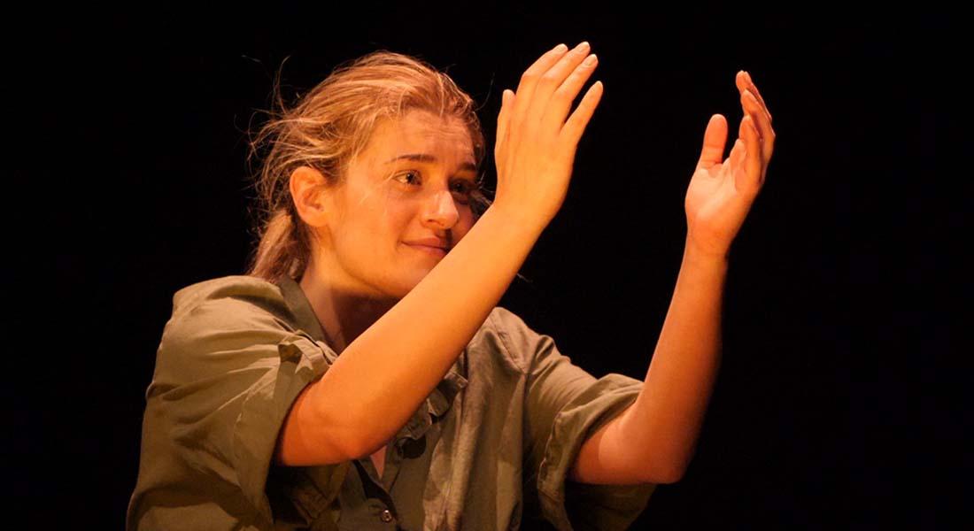 Les Chatouilles ou la Danse de la colère d'Andrea Bescond, mis en scène par Eric Métayer - Critique sortie Avignon / 2019 Avignon Avignon Off. Théâtre du Chêne Noir
