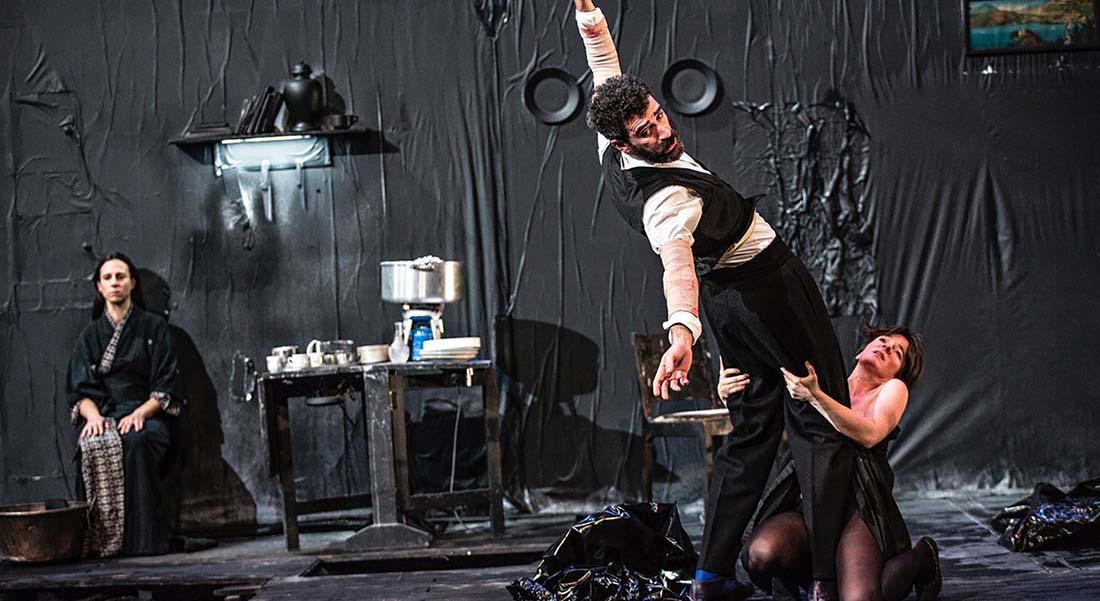 Demi-Véronique, une création collective de Jeanne Candel, Caroline Darchen et Lionel Dray - Critique sortie Théâtre Marseille La Criée - Théâtre National de Marseille