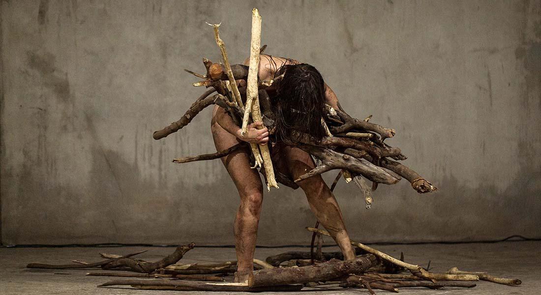 A Invenção da Maldade du chorégraphe Brésilien Marcelo Evelin - Critique sortie Danse Pantin Centre national de la danse
