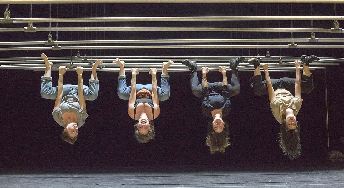 Clinamen Show, conception Groupe Bekkrell - Critique sortie Cirque Auch Salle Bernard Turin – CIRC
