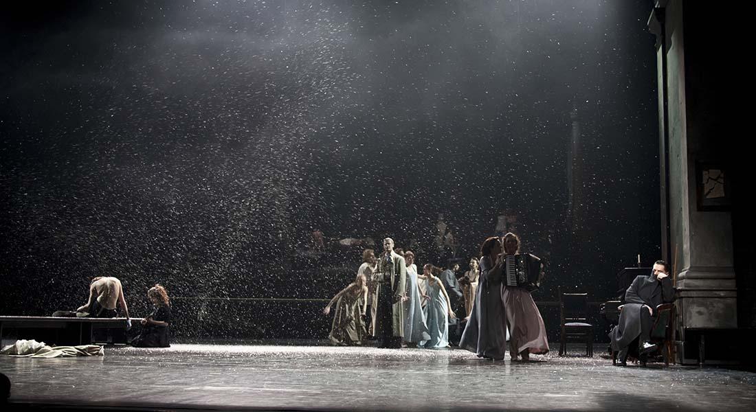 La compagnie russe du Théâtre Vakhtangov présente Eugène Onéguine de Pouchkine et Oncle Vania de Tchekhov avec Rimas Tuminas à la mise en scène - Critique sortie Théâtre Paris Théâtre Marigny