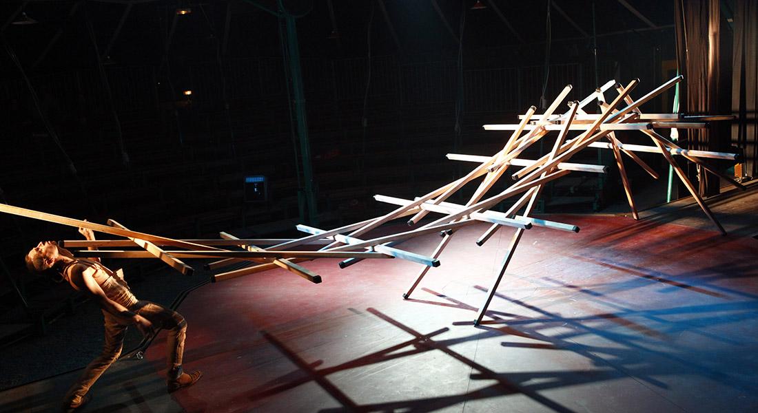 Secret (temps 2) de Johann Le Guillerm - Critique sortie Cirque Paris Espace Chapiteaux La Villette