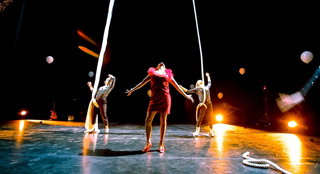 The Ordinary Circus Girl, conception Corinne Linder - Critique sortie Cirque Auch Centre Cuzin