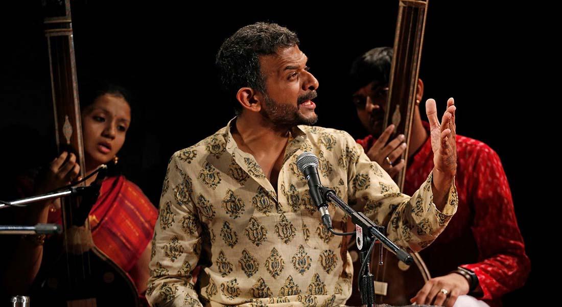 T.M. Krishna, avec Akkarai Subbhalakshmi - Critique sortie Jazz / Musiques Paris Théâtre de la Ville - Espace Cardin