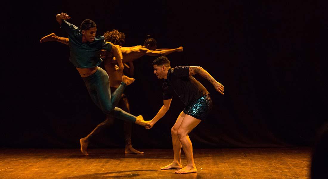 Alice Ripoll revient avec Cria une nouvelle création aussi survoltée qu'émouvante - Critique sortie Danse Cergy-Pontoise