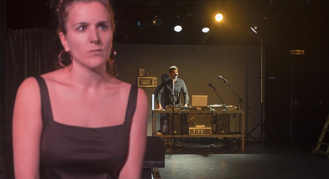 Dieu est un DJ et Je te regarde de Falk Richter et d'Alexandra Badea, mis en scène de Patrice Bigel - Critique sortie Théâtre Choisy-le-Roi Usine Hollander